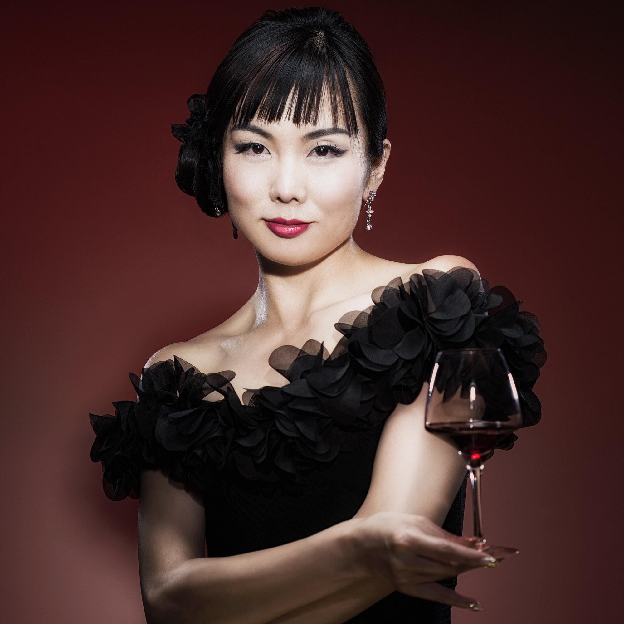 Jing ZHANG - Négoce en vin - J&J BACCHUS SELECTION
